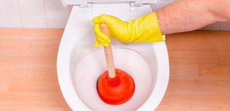 Як прочистити унітаз від забруднень самостійно