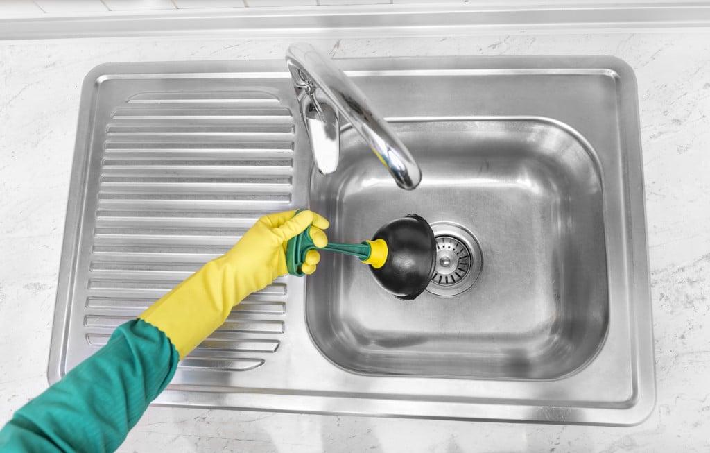 Как прочистить раковину на кухне